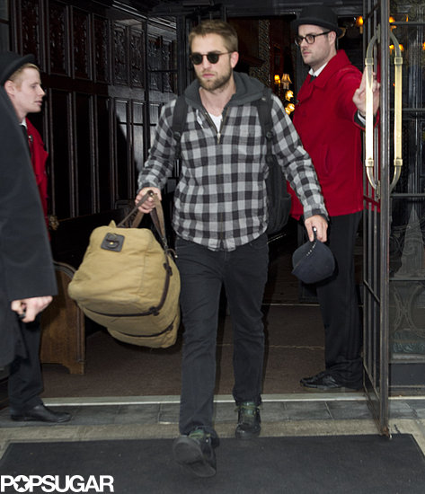Robert Pattinson left his NYC hotel.