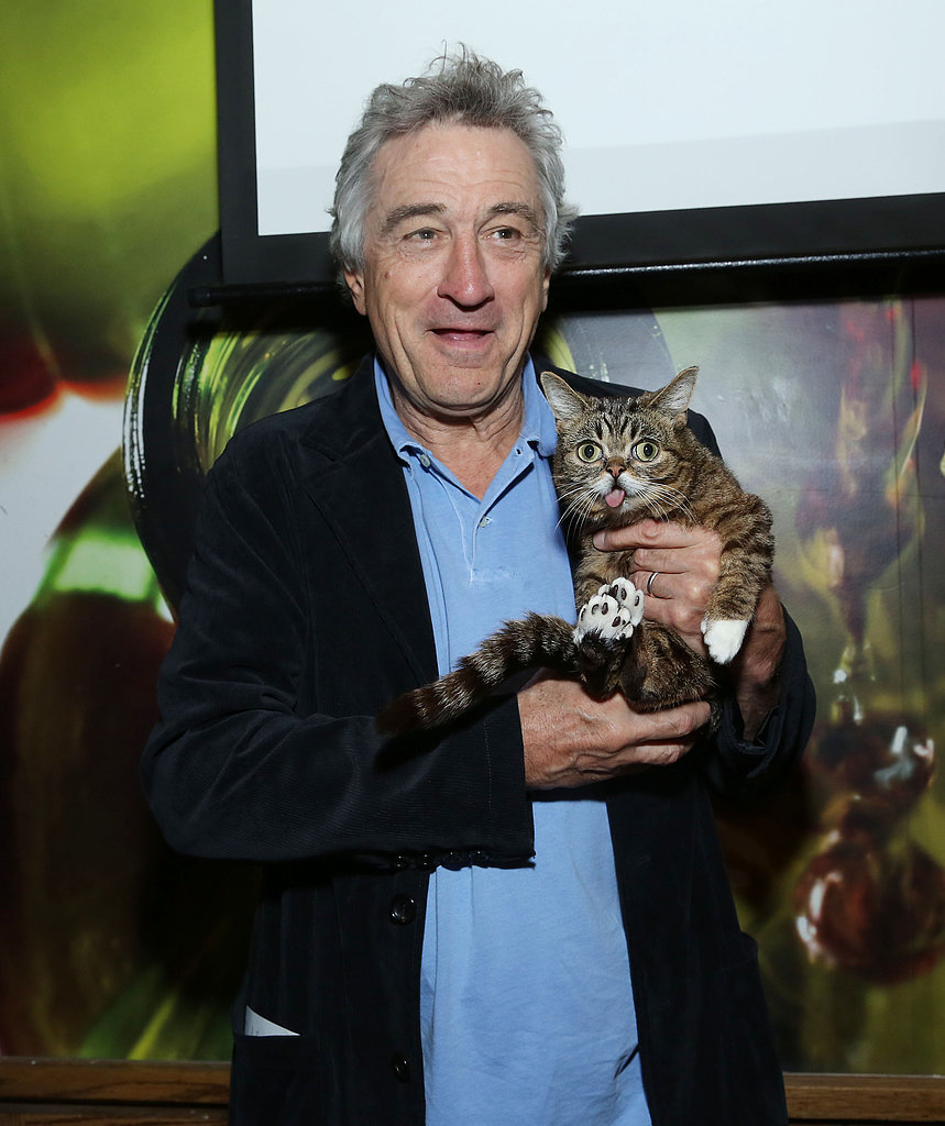 Robert De Niro cosied up to famous cat Lil Bub at Tribeca Film Festival's directors brunch.
