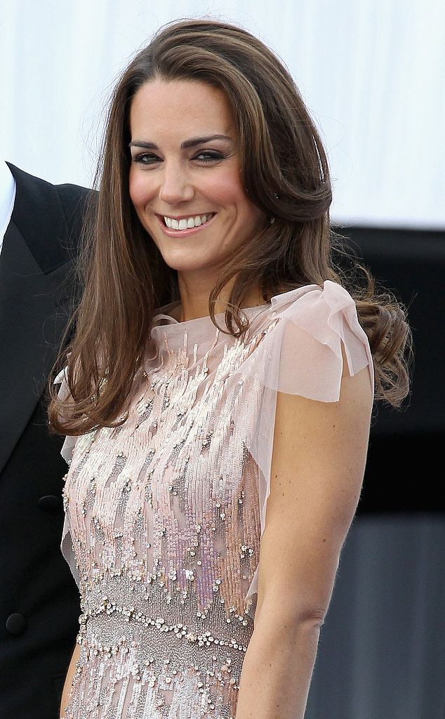 Kate's glossy, slightly waved blowout shone at the ARK 10th Anniversary Gala Dinner in 2011.