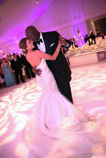 Michael Jordan danced with his bride, Yvette Prieto.