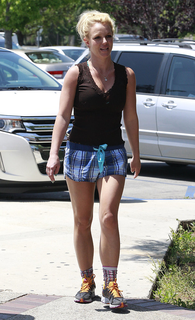 Britney Spears walked to the gym in Thousand Oaks.