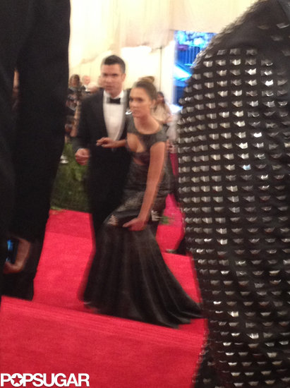 Cash Warren was there to help wife Jessica Alba up the stairs.