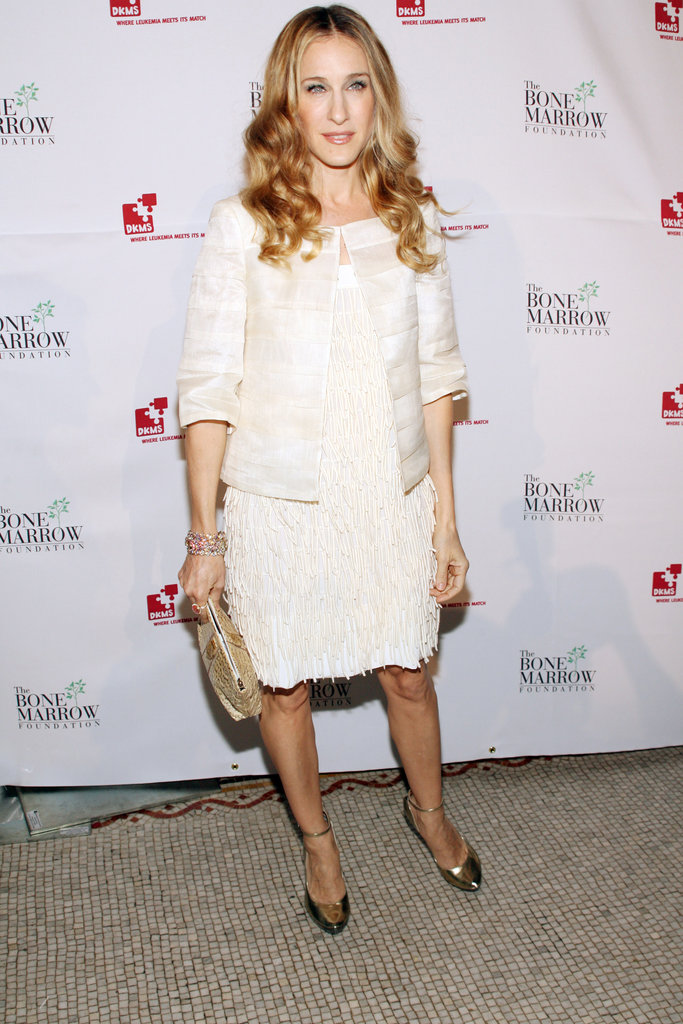 Parker partied the night away in a white flapper-inspired dress, coordinating striped jacket, and mirrored gold pumps at the 2007 NYC Links For Life Gala.