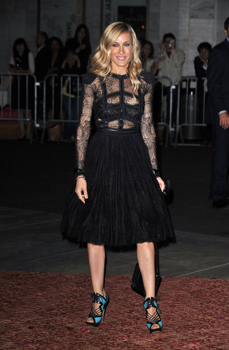 For a Sex and the City 2 afterparty, SJP paired a runway-modified lace Elie Saab with turquoise-and-black Nicholas Kirkwood sandals.