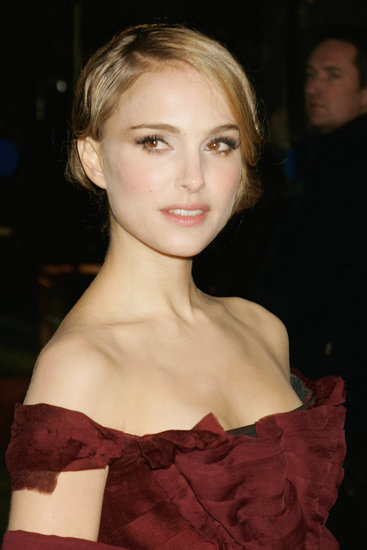 While promoting The Other Boleyn Girl in 2008, Natalie Portman was rocking some seriously blond strands. Perhaps costar Scarlett Johansson had some influence on her?