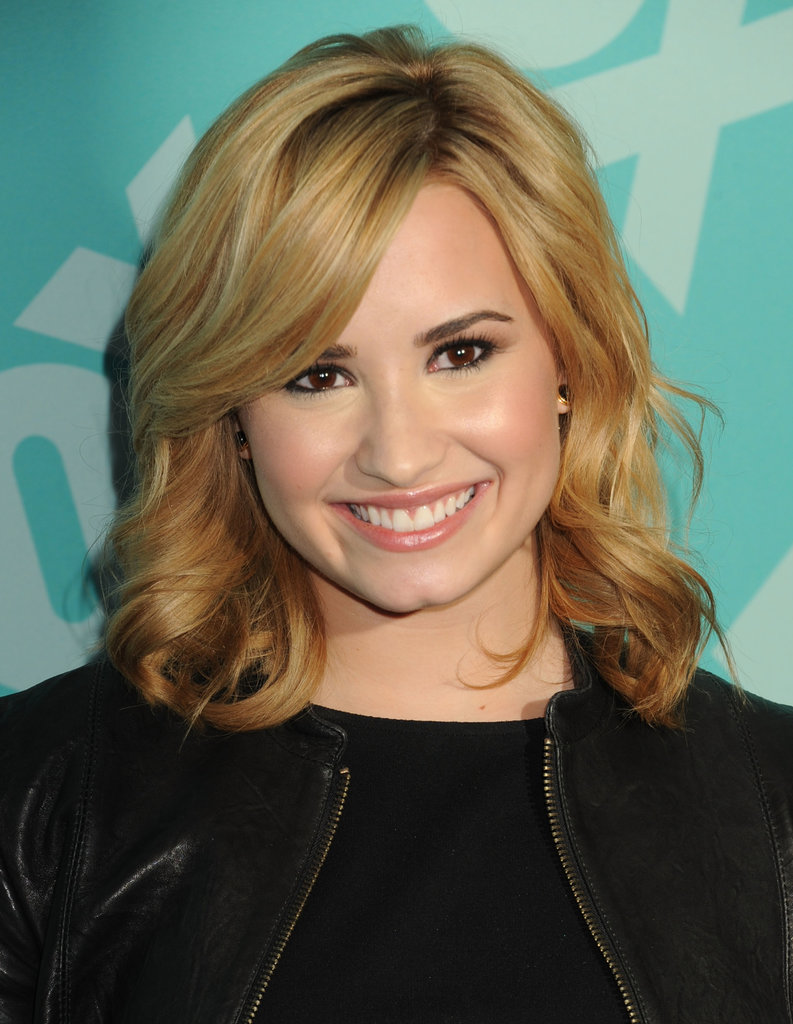 Demi Lovato has been taking a lot of risks lately when it comes to her hair! She first cut it into a lob, but most recently she got in her colourist's chair and dyed it blonde.