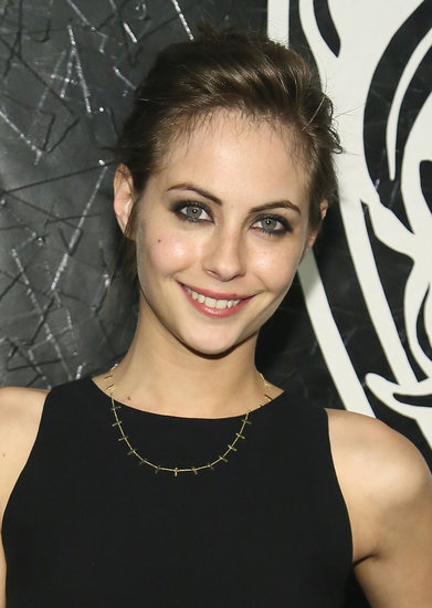 Willa Holland also got the up 'do memo for the night, sweeping her brown hair into a textured style. Her bold brows framed the rest of her makeup look flawlessly.