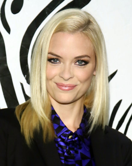 The always chic Jaime King opted for a sleek, side-parted blow dry and kohl-rimmed eyes.