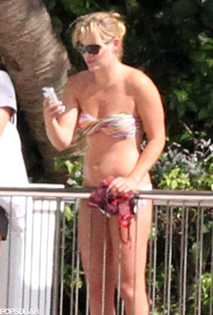 Lindsey Vonn snapped pictures in her bikini.