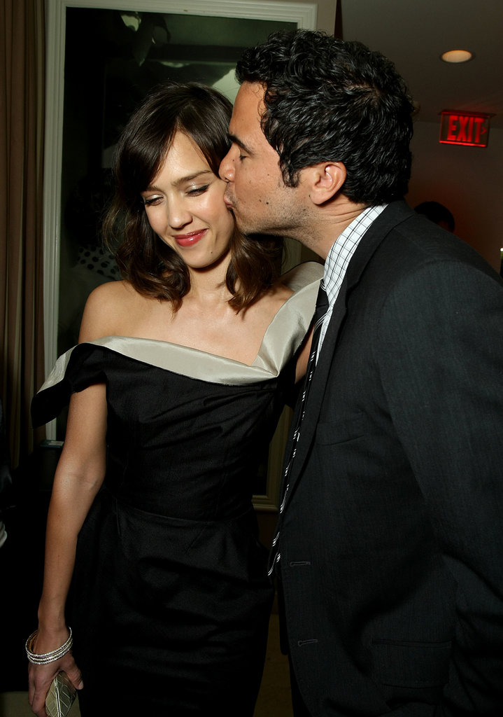 Cash Warren kissed Jessica Alba at the Vanity Fair Oscar Party in February 2009 in LA.