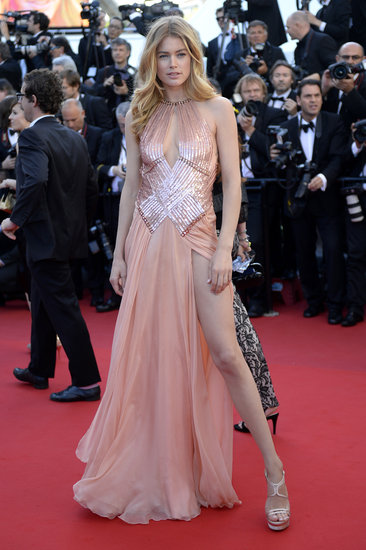 Doutzen Kroes wore an Atelier Versace gown to the Le Passé premiere in Cannes.