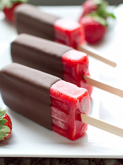 Chocolate-Covered Strawberry Popsicles