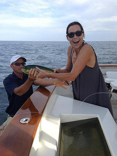 "Minnie Driver caught ""a little tiny Dorado"" while fishing in Mexico. Source: Twitter user driverminnie"