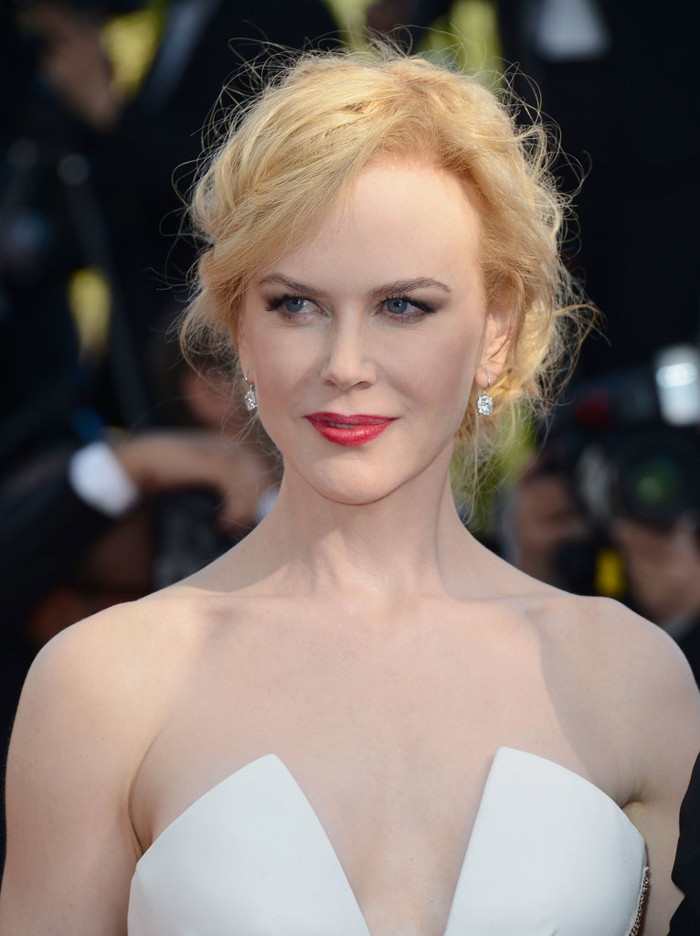 For the Cannes closing ceremony and Zulu premiere, Nicole Kidman chose a romantic makeup palette of soft red lipstick and winged eye shadow.