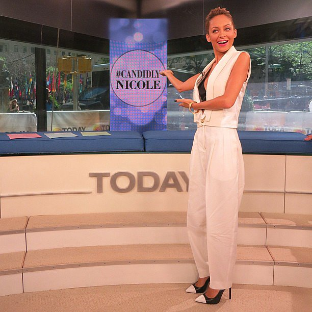 Nicole Richie did her best Vanna White impression during her stop at the US Today show. Source: Instagram user nicolerichie