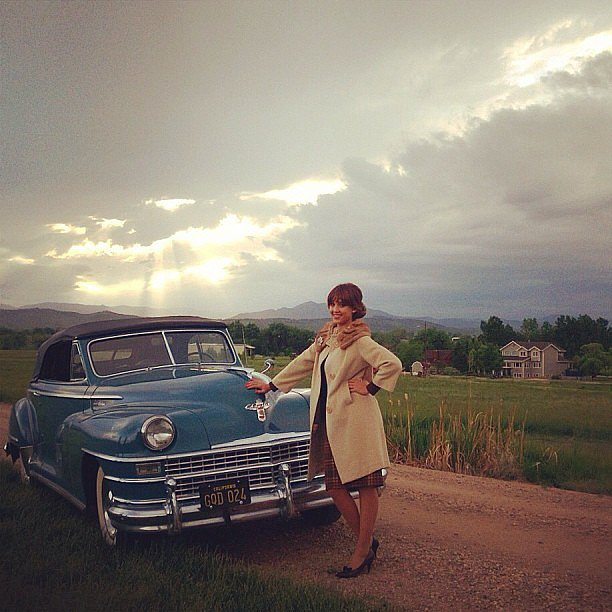 Jessica Alba rocked a vintage look while filming Dear El