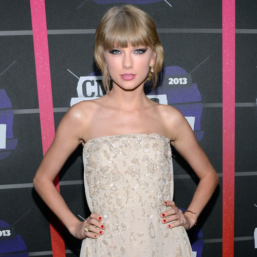 Taylor Swift at the CMT Awards 2013