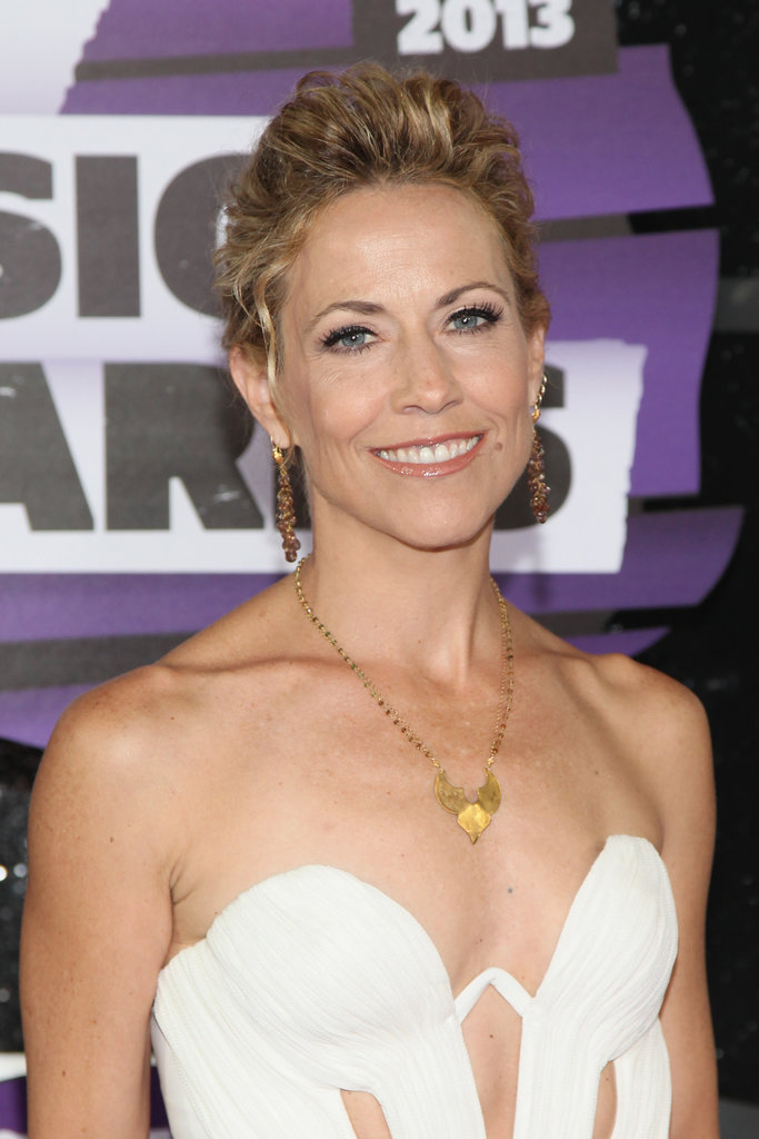 If you have curly hair, take note of Sheryl Crow's look. She pulled her textured hair into an updo with a pompadour in front.
