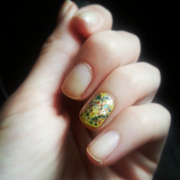 The easy way to jazz up a nude manicure? Loads of sparkles, of course. Source: Instagram user classily_yours