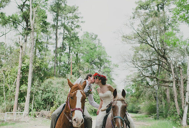 The Guests Whether it's your closest friends and family present or just the two of you, when you elope the guest list is free of acquaintances and on-the-fence relatives. It's quality over quantity, and no one will scoff at you for inviting whomever you want (including horse-y companions!). Photo by Sarah McKenzie Photography via Green Wedding Shoes
