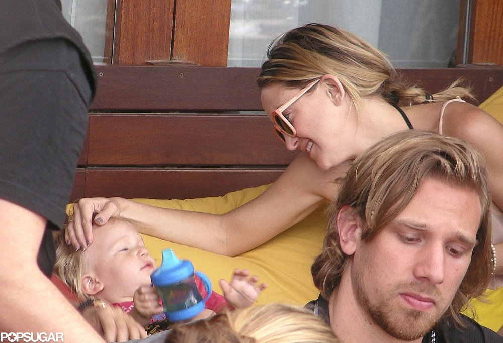 Kate Hudson shared a cute moment with her son Bingham in Barcelona, Spain.