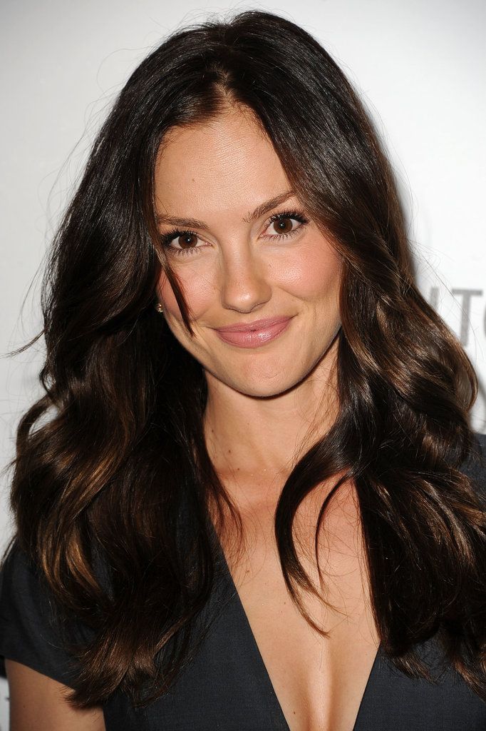 Looking like she'd just stepped out of the surf, Minka Kelly used her waves to show off a new hai