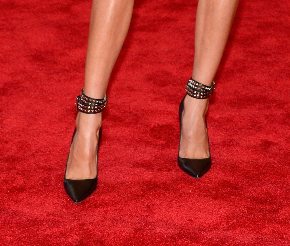 Karolina's shoes were tough thanks to the studded straps.