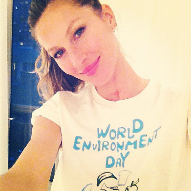 Gisele Bündchen snapped a selfie while wearing a shirt for a speical cause.  Source: Instagram user giseleofficial