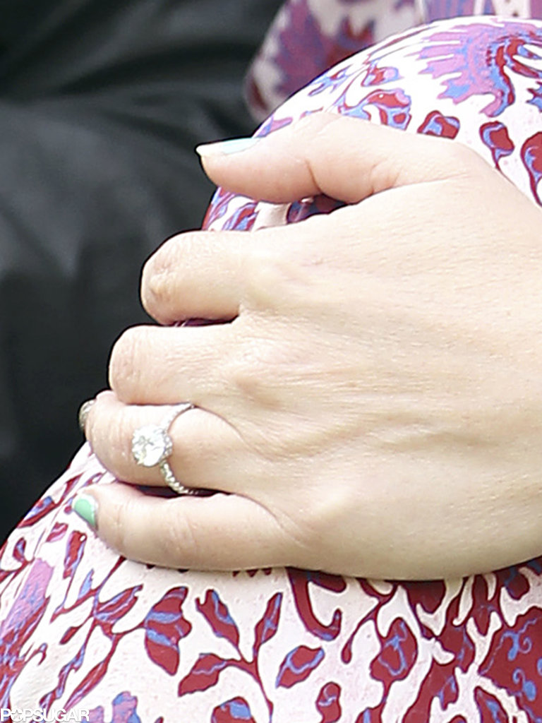 See Jennifer Love Hewitt's Engagement Ring — and Baby Bump!