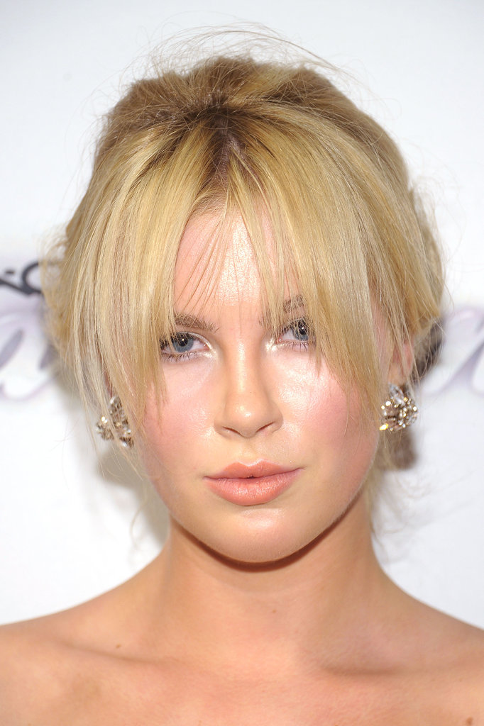 Grown-out bangs were the centerpiece of Ireland Baldwin's beauty look.