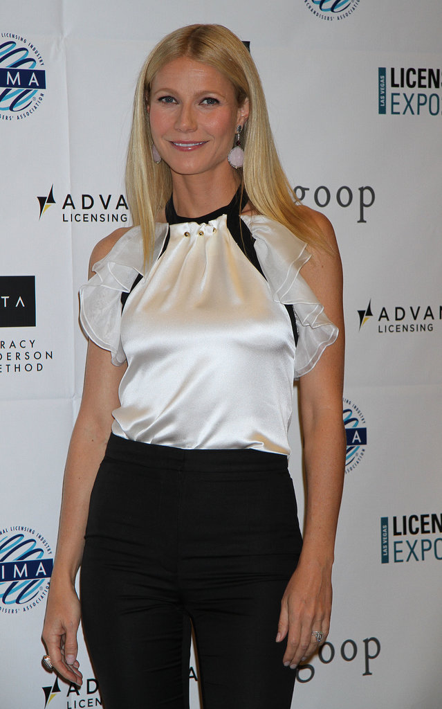 Gwyneth Paltrow posed and smiled at the expo, which was held at the Mandalay Bay Convention Center in Las Vegas.