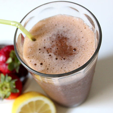 Detox Strawberry Lemonade Smoothie Recipe