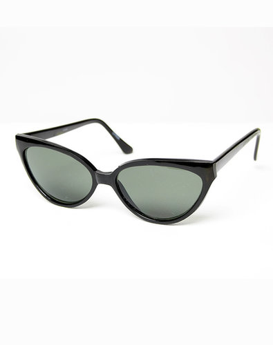 Vintage Unforgettable Cat Eye Sunglasses in Black