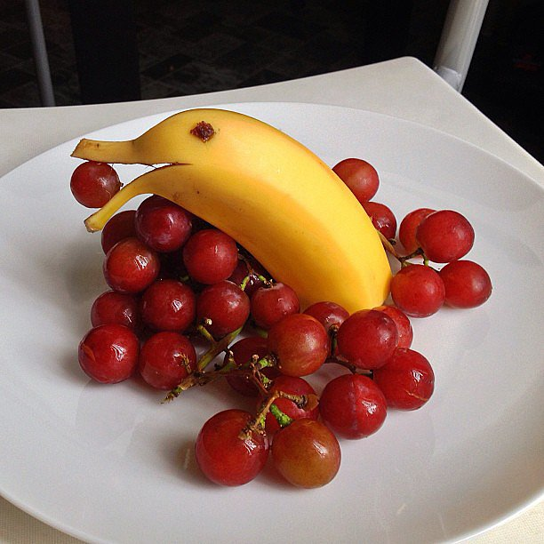 One order of dolphin banana and grapes, please.  Source: Instagram user sandy0423