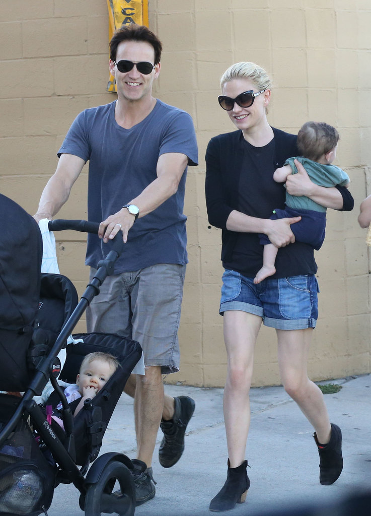 Anna Paquin and Stephen Moyer took their twins, Charlie and Poppy Moyer, out to lunch in LA's Venice neighborhood.