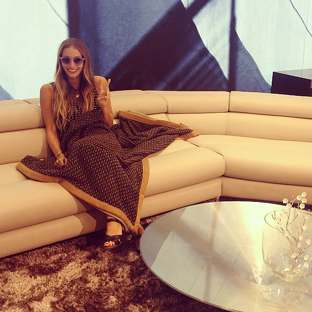 Harley Viera-Newton flashed a peace sign and made herself comfortable at an Architectural Digest party. Source: Instagram user harleyvnewton