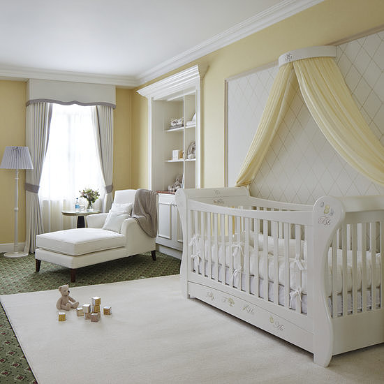 """POPSUGAR Moms shared a look at Grosvenor House, a London hotel that transformed a room into the """"Suite Dreams"""" nursery. To design the British-inspired suite, the hotel teamed up with the Dragons of Walton Street shop — the decorator of choice for Prince William's, Prince Harry's, and their cousins Princess Beatrice's and Princess Eugenie's nurseries. Source: The Grosvenor House"""