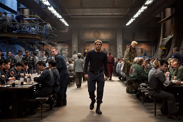 Pacific Rim: Check Out Charlie Hunnam — Plus Monsters! — in All the Pictures