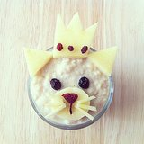 It's a cat, it's a princess — it's fruit-topped cinnamon oatmeal!  Source: Instagram user barebarnematen