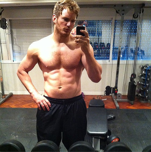 Chris Pratt Buff Shirtless Pictures