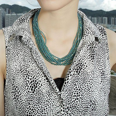 # Green Crystal Necklace Seed Bead