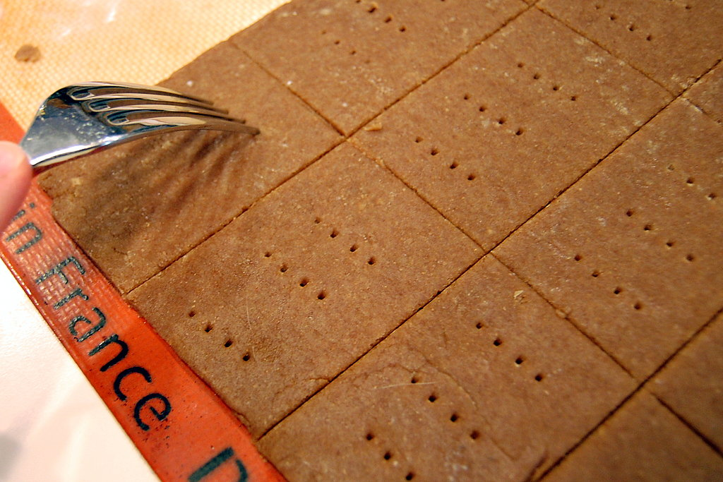 Packable Snackable: Homemade Graham Crackers