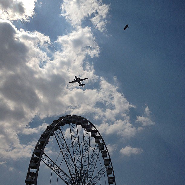 Colette's Sarah Colette kept her eye on the skies and got a magnificent view! Source: Instagram user sarahcolette