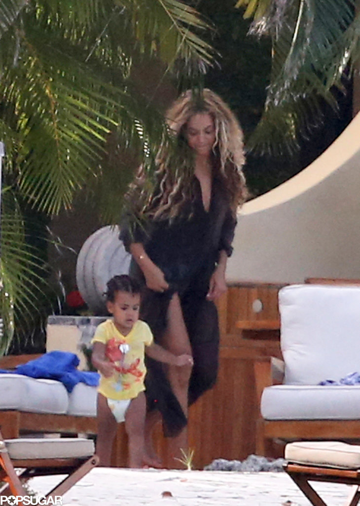Beyoncé chased Blue Ivy around the pool.