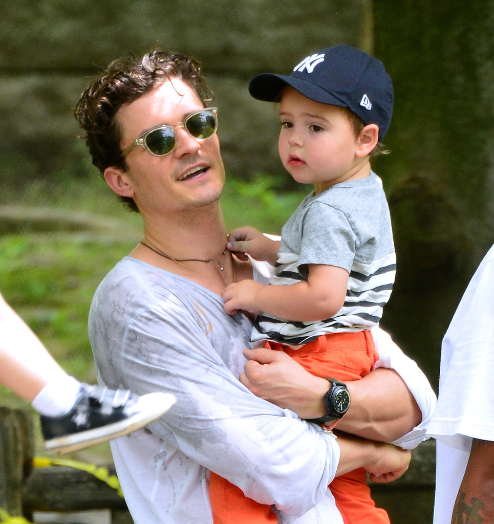 Orlando Bloom played with his son, Flynn, in NYC's Central Park.