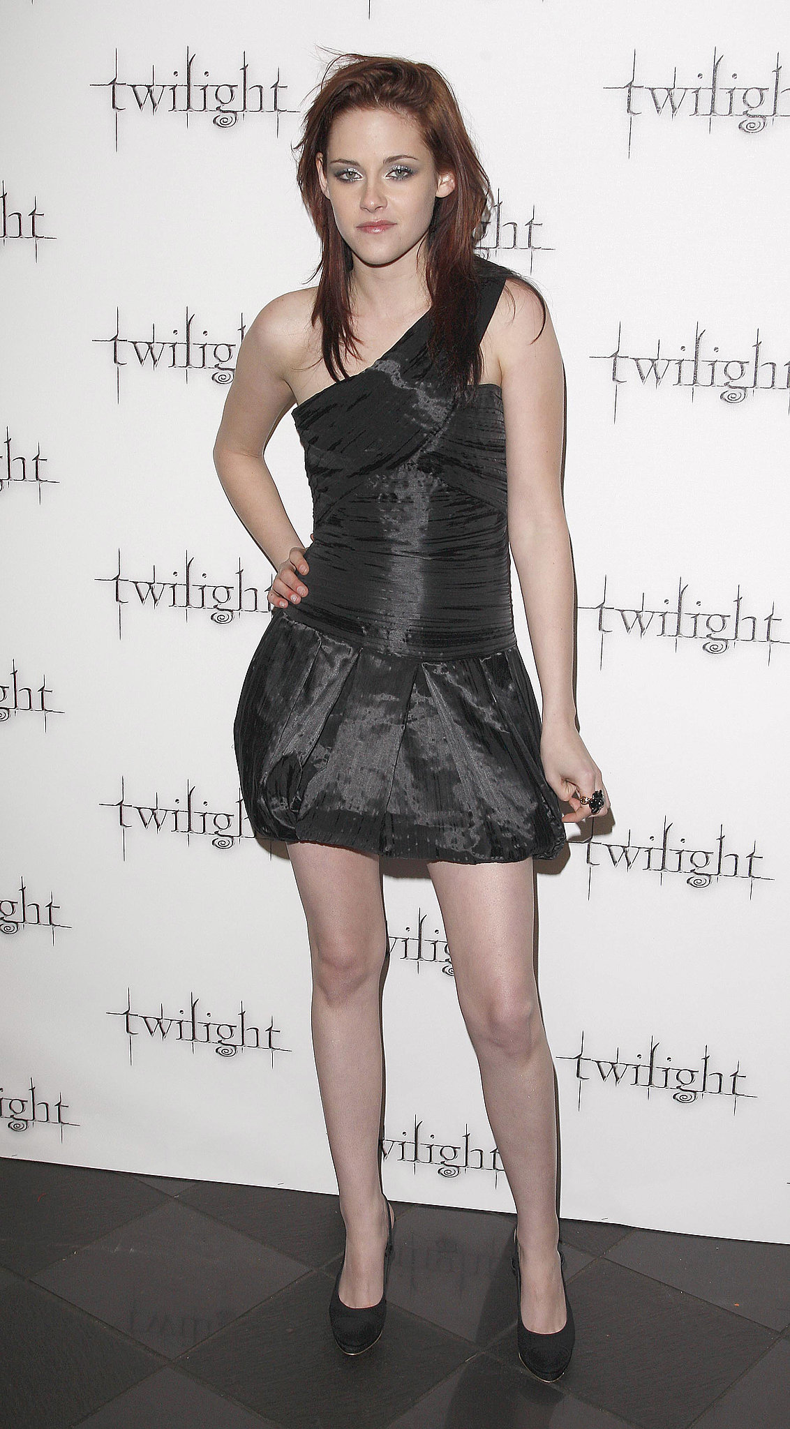 Featuring a one-shoulder cut and bubble skirt, Stewart's LBD was anything but ordinary in December 2008.