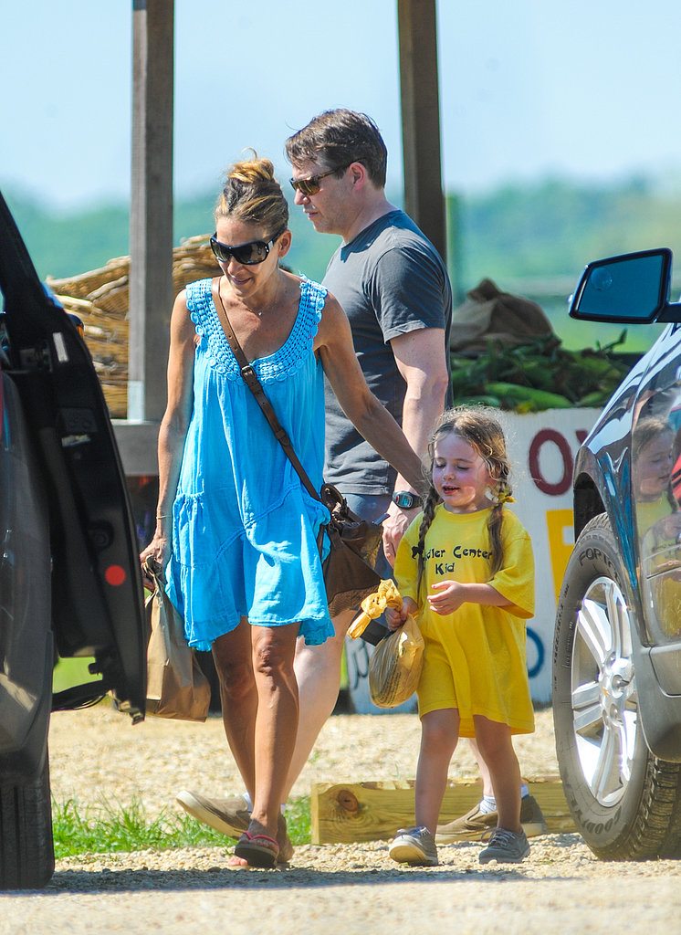 Sarah Jessica Parker stayed close to her little ones during a family outing. Source: Nitro News