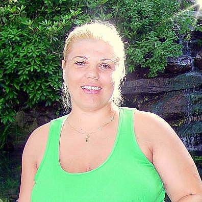 Roxana Y.