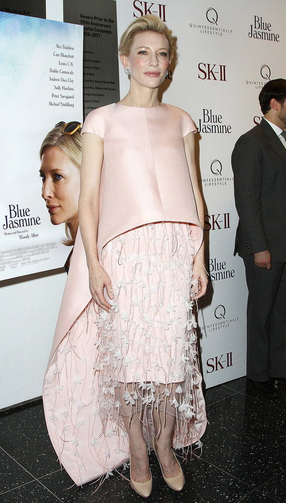 Cate glowed in the equally sweet and stunning Balenciaga dress and cape.