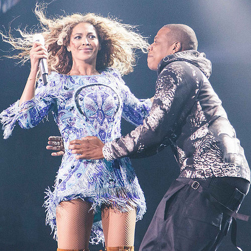 Jay Z Gives Wife Beyonce A Kiss On Stage: Video & Pictures